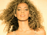 Leona takes top spot in Aussie chart