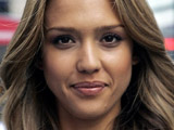 Jessica Alba gives birth to baby girl
