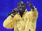 Akon concert 'marred by violence'