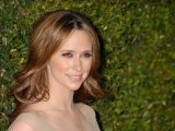Jennifer Love Hewitt is engaged