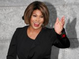Tina Turner kicks off comeback tour