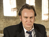 'Dracula' brings Glenister to back to ITV