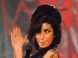 Winehouse 'scuffles' with fan at Glasto