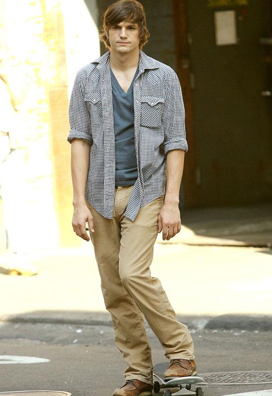 bulge Ashton kutcher