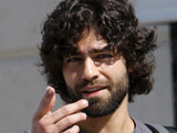 Adrian Grenier splits from Lucas