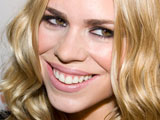 Billie Piper gives birth to son