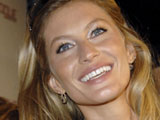 Gisele denies engagement rumors