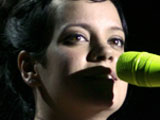 Lily Allen breaks down in tears during gig