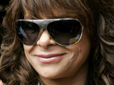 Paula Abdul sells Sherman Oaks home