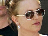 Britney 'confronts' Federline girlfriend