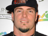 Vanilla Ice, MC Hammer play one-off show
