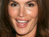 Cindy Crawford 'gets mole checked'