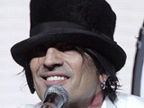 Tommy Lee: 'I'm back with Pamela'