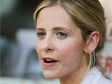 Sarah Michelle Gellar 'in awe of baby'