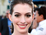 Hathaway: 'I'd do anything for Tim Burton'