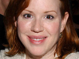 Molly Ringwald gives birth to twins