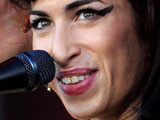 Winehouse swaps private gig for BBQ