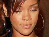 Dad: 'Someone has stranglehold on Rihanna'