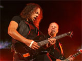 Hetfield offers olive branch to Newsted