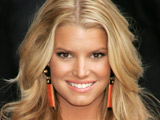 Jessica Simpson 'begged Romo for a ring'
