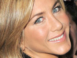Aniston 'would love Mad Men role'