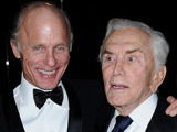 Kirk Douglas recovering from broken foot