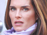 Brooke Shields 'keeps watch over mom'