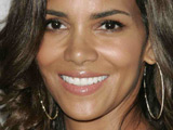 Halle Berry laughs off pregnancy rumors