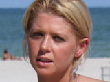 Tara Reid checks into rehab