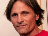 Viggo Mortensen plays pranks on co-stars