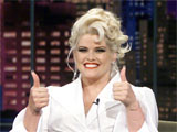 Anna Nicole Smith dies, 39