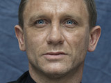 Daniel Craig calls for black Bond