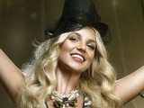 Spears hires TV magician for 'Circus' tour