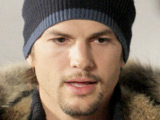 Kutcher 'passes Twitter million mark'