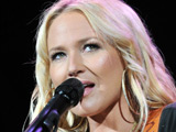 Jewel in wheelchair due to 'Dancing' injury