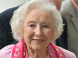 Monkeys hold Vera Lynn off top spot