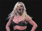 Britney fans sell gig tickets over miming