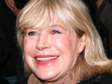 Marianne Faithfull agrees to biopic