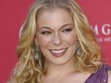 LeAnn Rimes announces divorce on website