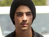 Joe Jonas out of 'Brothers & Sisters'