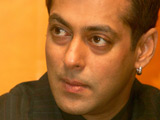 Crowd mobs Salman Khan at football match