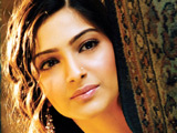 Sonam 'told to keep her curves'
