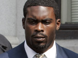 Michael Vick asked to pose in 'Playgirl'