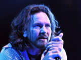Pearl Jam 'spend 30 minutes on lyrics'