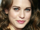 Lyndsy Fonseca jumps into 'Hot Tub'