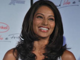 Bipasha Basu, Mugdha Godse 'fall out on set'