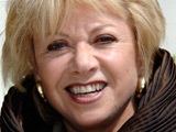 Elaine Paige wishes Boyle luck in final