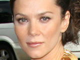 Anna Friel strips as Holly Golightly