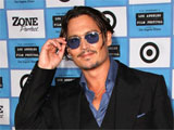 Depp visits sick kids as 'Captain Jack'