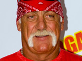 Hulk Hogan makes pro wrestling return